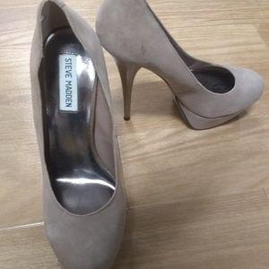Beautiful Steve Madden heels